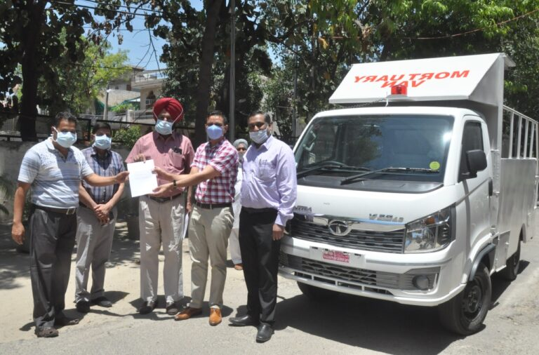 DC FLAGS OFF MORTUARY VAN TO PROVIDE FREE-OF-COST SERVICES TO DECEASED OF COVID-19 VIRUS