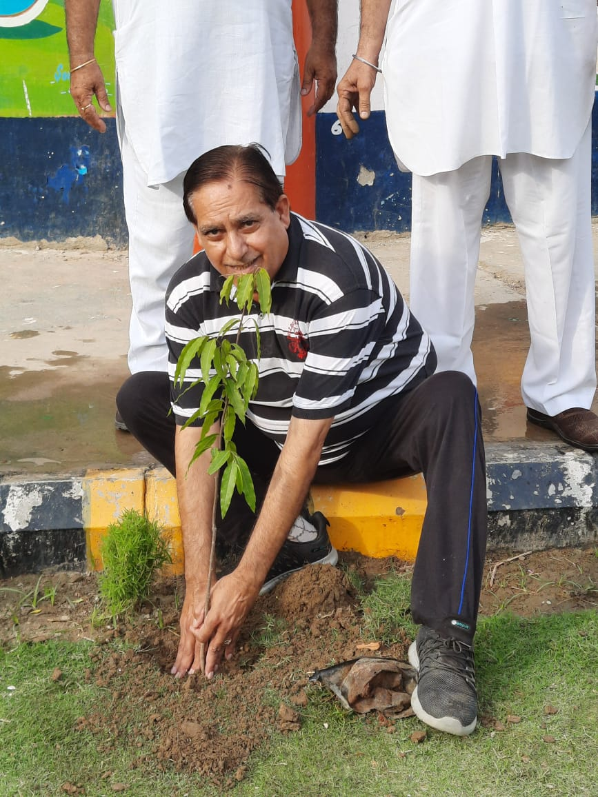 CLEAN N GREEN EARTH MISSION MANSOON-2021: HELP US TO MAKE OUR PLANET GREEN: CEV MEMBER ER. RAMAN KUMAR VERMA AND HIS FRIENDS CONTRIBUTED IN THIS DREAM MISSION