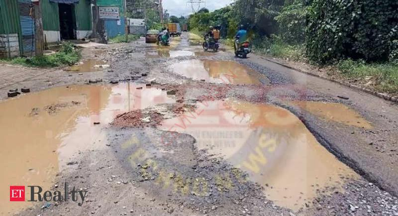 Read more about the article Anjanapura residents fume over Bengaluru development body's failure to fix potholed road, Real Estate News, ET RealEstate